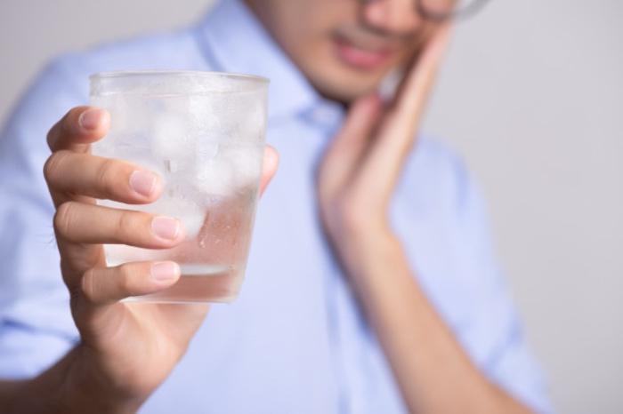Cómo prevenir la sensibilidad dental en verano